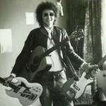 Paul met gitaren 1973 (scan)