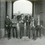 Zimmermann 1972 bij ingang St.Alfonsus ULO Roermond